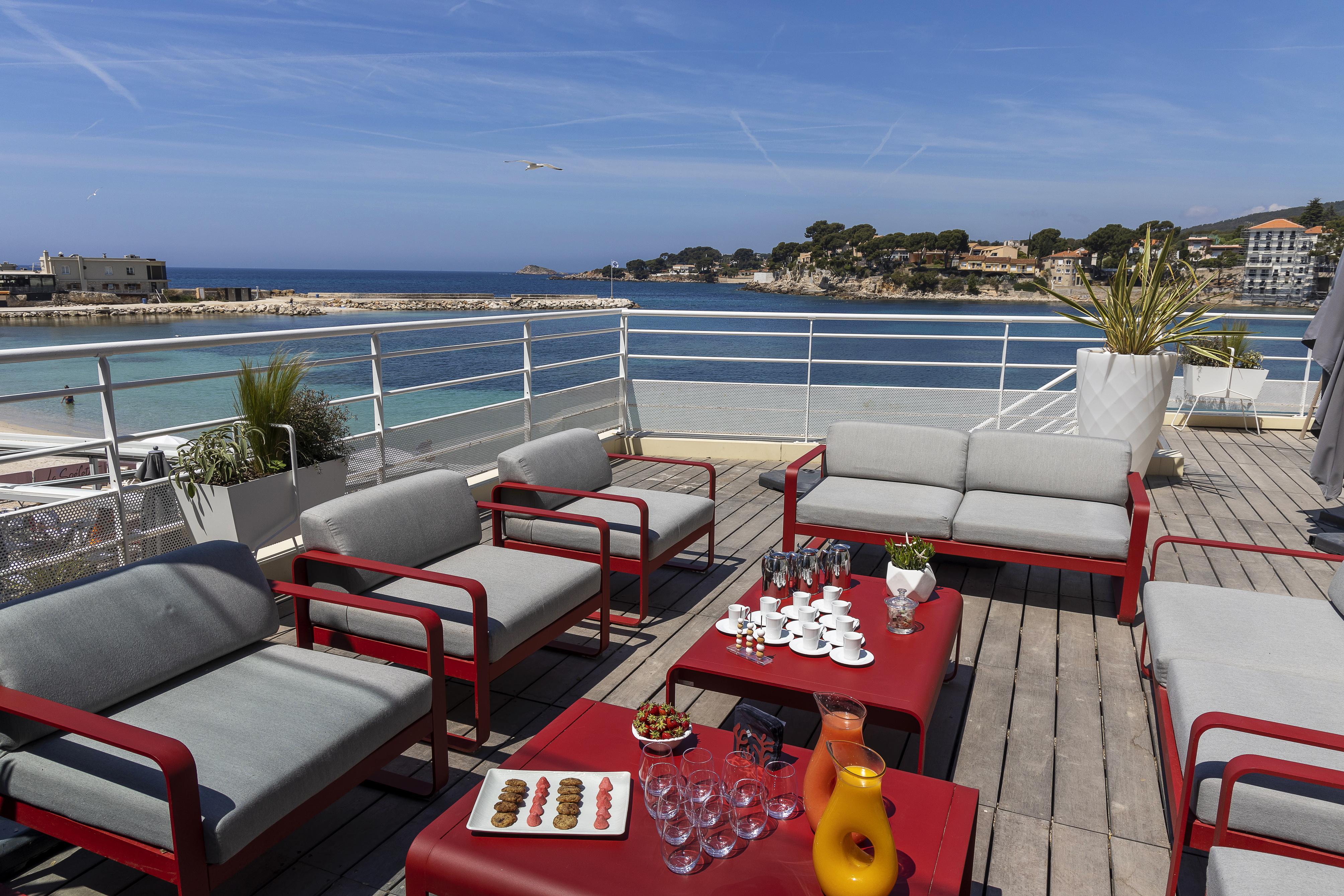 vignette En prépayant dès maintenant, profitez d'un tarif préférentiel si vous séjournez dans les 3 prochains jours à l'Hôtel Ile Rousse !