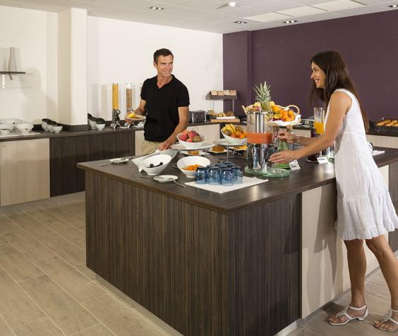 vignette Offre Exclusive : Hébergement et petit déjeuner inclus à l'Hôtel Baie des Anges